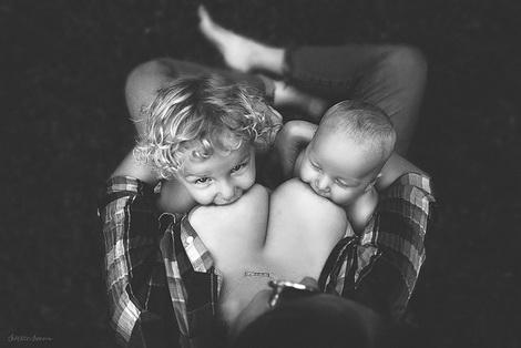 как кормить ребенка грудью