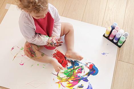 когда ребенок начинает рисовать
